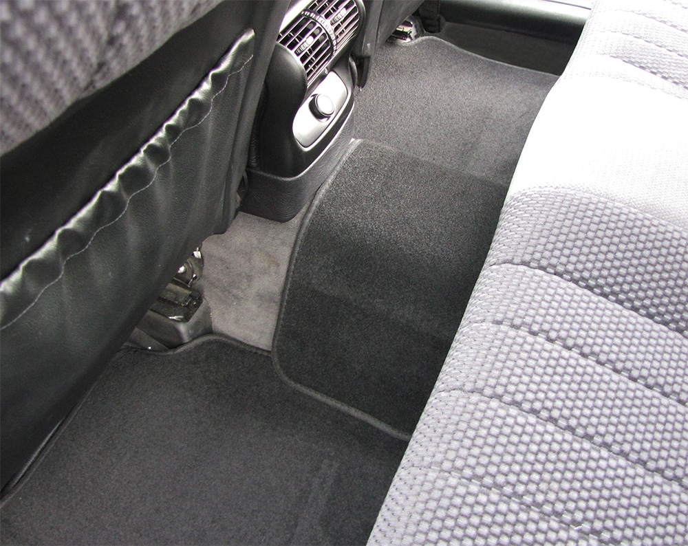 auto stoff fu matten universal mit matte f r mitteltunnel. Black Bedroom Furniture Sets. Home Design Ideas